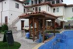 изработка на дървени барове за басейни