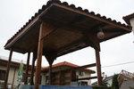 уникален дървен бар за басейн