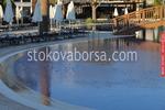 Модерен басейн към хотелски комплекс