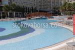 разчупен басейн за хотел